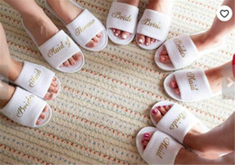 Wholesale Personalized Brides Bridesmaid slippers Wedding Bridal Shower Party Gift Maid of Honor Newlywed Bachelorette party favors Wedding Decoration