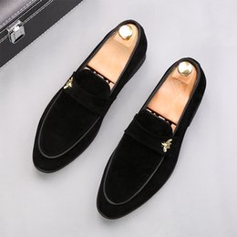 New arrival Designer Men Classic suede embroidery Casual flats Gommino Shoes Oxford gentleman wedding Dress Homecoming Prom loafers 38-44 on Sale