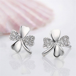 Wholesale 1Pair Trendy Lucky Clover Silver Plated Crystal Screw Back Earring For Women Plant Earrings New Style MS Earrings Jewelry