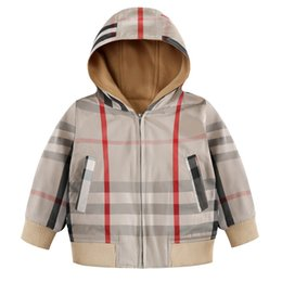 $enCountryForm.capitalKeyWord Australia - Boy brand big plaid jacket   boys and girls plus velvet fashion B letter jacket hoodie   luxury cotton zipper jacket hoodie