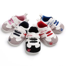 $enCountryForm.capitalKeyWord Australia - Baby boys girls fashion casual sneakers cute bear paw print toddlders sport shoes soft sole anti-slip first walkers 5 colors 3 sizes 2019 ne