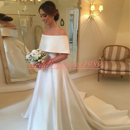 Simple Designer Plus Size Satin Wedding Dresses Country Bateau Neck White  Train Arabic Dubai Bridal Ball Gown robe de mariée Bride Dress 179b0bb0800e