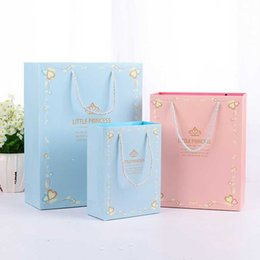 $enCountryForm.capitalKeyWord Australia - Prince Princess Birthday Baby Shower Paper Candy Bag Wedding Favors for Guests Party Decoration Supplies Gift Box Packaging