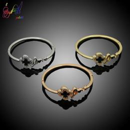 Gold Leaf Designs Australia - Yulaili 2019 New Simple Unique Four-Leaf Clover Design Three Color Rose Gold Silver Gold Color Bracelet Jewelry For Girl Gift