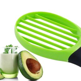 avocado peeler NZ - 3 In 1 Avocado Slicer Shea Corer Butter Fruit Peeler Cutter Pulp Separator Plastic Knife Kitchen Vegetable Tools Home Accessory