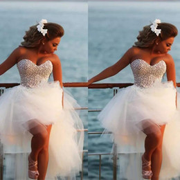 $enCountryForm.capitalKeyWord Australia - Unique Pearls Sweetheart White Tulle HIgh Low Wedding Dress Short Front Long Back Beach Knee Length Bridal Gown
