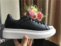 Beautiful Girls Summer Shoes Australia - Black casual shoes with designer comfort beautiful girl women's sports shoes casual shoes men's women's extremely durable stable net red2019