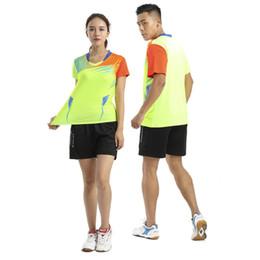 1265643c57 8 Foto Compra Online Abbigliamento da tennis da tavolo da volano-T-shirt da  tennis uomo