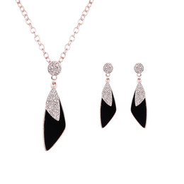$enCountryForm.capitalKeyWord Australia - Necklace Earrings Jewelry Set Luxury Exquisite Women Fashion Rhinestone 18K Gold Plated Geometric Party Jewelry 2-Piece Set Wholesale JS110