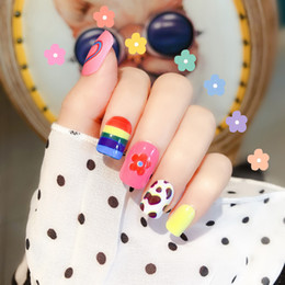 $enCountryForm.capitalKeyWord Australia - 24pcs Nail Patch Fake Nails Popular Ins Style Rainbow Light Girl Heart Solid Color Multi-pattern Mixed Light Therapy Armor Art Salon Patch