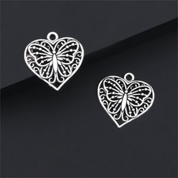 wholesale gold plated jewelry findings UK - Charms 20Pcs Silver Color Heart Shaped Butterfly Charms Animal Pendant Finding Women Necklaces Gift Jewelry Accessories