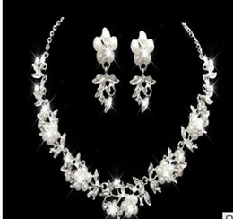 wonderful necklace Canada - wonderful low price high quality diamond crystal wedding bride lady's necklace earings set 8eree