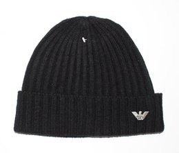 2019 New High quality Valentine s day gift Fashion Beanie Hats for Men Women  Knitted Wool Caps casual Beaniesembroidery Winter sport Caps e4680f2f1ad7