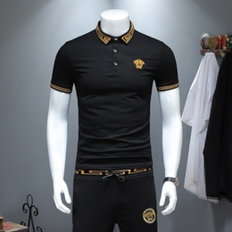a12c1750a0723 2019 nuevo patrón hombre chándal de solapa de manga corta camiseta y  pantalones edición coreana bordado tiempo libre Suit309
