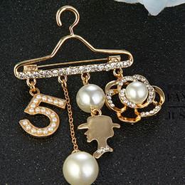 Vintage Rhinestone Pearl Hanger Brooch