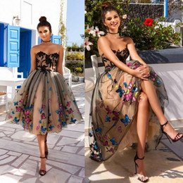 stunning short sleeve evening dress Canada - Stunning Knee Length Short Prom Dresses Lace Appliqued A-Line Strapless Colorful Butterfly Homecoming Evening Cocktail Dress Party Gowns