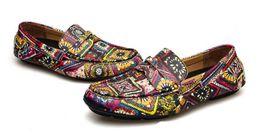 $enCountryForm.capitalKeyWord Australia - New style black handmade printing fashion Skateboard shoes loafers party wedding dress shoes men flats Peas shoes