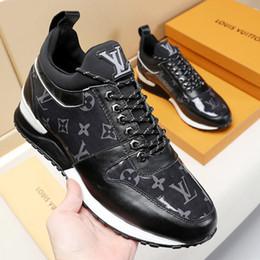 venda por atacado Respirável Sapatos Esportivos Para Homens Confortável Chaussure Esporte Homme Run Away Sneaker Mens Sapatos Low-Top Sapatos Da Moda Dos Homens Zapatos de hombre