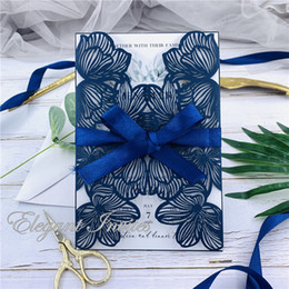 $enCountryForm.capitalKeyWord Australia - Dark Navy Exquisite Iridescent Pearl Paper Wedding Invitation Card Leaves Pattern Hollow Out Carved Crafts Card for Wedding Party free ship