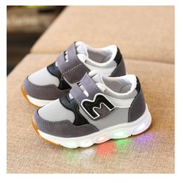 led sneakers Canada - Light Glowing Sneakers Kids Led Shoes with Light Up LED Slipper Boys Girls Baby Shoes Luminous Sneakers