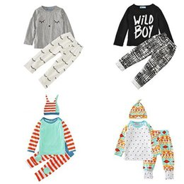 China Boys Girls Clothing Sets 29 Colors Christmas Deer Winter Autumn Spring Casual Suits Shirts Pants Hat Infant Outfits Kids Tops & Shorts 0-24M supplier army navy hats suppliers