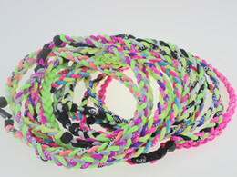 Großhandel Original Männer Kinder Jungen Titan geflochten 3 Seilen Tornado Halsketten für SPORTS Football Baseball Softball-Mädchen Mutter FAST DHL