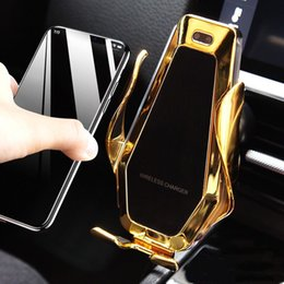 $enCountryForm.capitalKeyWord Australia - P10 Wireless Car Charger Automatic Clamping For iphone Android Air Vent Phone Holder 360 Degree Rotation 10W Fast Charging + box