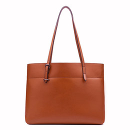 Wholesale Exotic2019 Will China Dual Color Oil Wax Cowhide Genuine Leather Woman Bale Ma am Single Shoulder Package Trend Bag Guangzhou