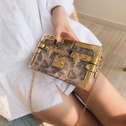box handbags NZ - Factory wholesale brand women handbag sweet foreign style printing hard box bag personality gold buckle decoration women Chain bag personali