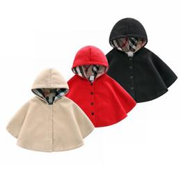 Ingrosso ragazza cappotti invernali Vestiti per bambini Lana a prova di mantenere Mantello caldo Neonato Mantella con cappuccio in uscita bambini bambini