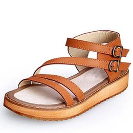 Chinese  Woman Sandals Shoes 2019 Summer Style Wedges Flat Sandals Women Fashion Slippers Rome Platform Genuine Leather manufacturers