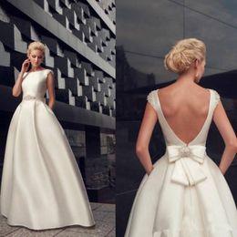$enCountryForm.capitalKeyWord UK - Simple Satin Wedding Dresses Scoop Crystal Beaded Bow Sash Backless Wedding Dress Floor Length Country Bridal Gowns Long Custom Size