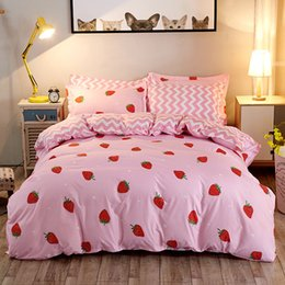 bedding sets Canada - 3 4pcs Cute Strawberry Bedding Set Polyester Fabric Queen Comforter Sets Pink Bed Sheets And Pillowcases King Size Bed Sheet Set