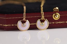 $enCountryForm.capitalKeyWord Canada - Perfect The new glamour fashion druzy jewelry wild goddess for women silver woman locket necklaces unique designs