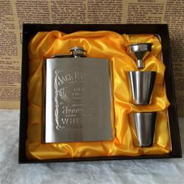 $enCountryForm.capitalKeyWord Australia - Hip Flask 7oz Gift Set Stainless Steel Wine Beer Bottle With Box Mini Drinkware Alcohol Bottle Pocket Portable For Drinker Men Gifts