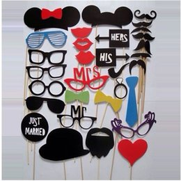 photobooth glasses prop UK - NEW 2017 Mustache Lip Glass Mask for Fun Favors Photobooth Photocall Wedding Photo Booth Props Party Decorations Supplies 31pcs