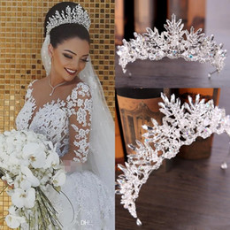 Wholesale embroidered crowns for sale – custom New Luxury Bridal Veils And Crown Wedding Hair Accessories White Ivory Long Crystal Beaded Bling Lace Tulle Cathedral Length M Church Veil
