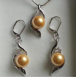 beautiful pendant sets Australia - Prett Lovely Women's Wedding perfect match beautiful jewelry set 10mm yellow shell pearl pendant & earring