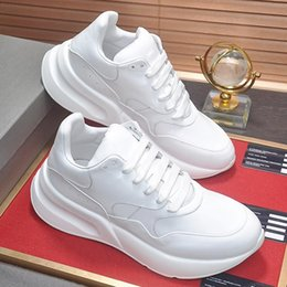 hard plastic boxes 2019 - New Men Shoes Casual Luxury Sneaker Trainers Outdoor Shoes with Origin Box Chaussures pour hommes Men Shoes Fashion Foot