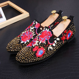 ShoeS for driving online shopping - 2019 Luxury designer loafers Embroidery flower men trainers Dress shoes moccasins driving shoes party wedding shoes for men zapatos hombre
