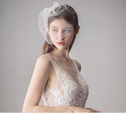 $enCountryForm.capitalKeyWord NZ - New European and American style rhinestone wedding short yarn bride hot hair comb veil wedding