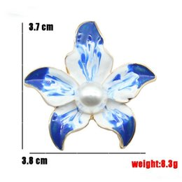 elegant suit for party NZ - Blue Enamel Flower Brooches pins Elegant White Flower Brooch Corsage for Women Men Suit Collar Scarf clips jewelry pin gift