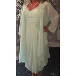 tea length mother bride dress wrap Canada - 2019 New Mint Green V Neck Column Short Mother of the Bride Dresses with Wrap Plus Size Casual Chiffon Evening Gowns Lace Tea Length