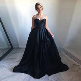 $enCountryForm.capitalKeyWord Australia - Simple Black Ball Gown Prom Dresses Strapless Quinceanera Dresses 2019 Zipper Vintage Evening Dresses Sweep Train