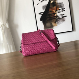 $enCountryForm.capitalKeyWord Australia - Women Messenger Bag Real Lambskin Leather Soft Hand Weave Knitting Crossbody Small Female Shoulder Bag Brand Design Quality