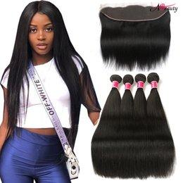 Venta al por mayor de Mink brasileño paquetes de cabello liso con 13x4 encaje frontal con paquetes de cabello Cabello humano teje con oreja a oreja encaje frontal cierre