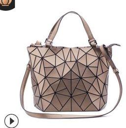 $enCountryForm.capitalKeyWord Australia - 2019 new small fresh fashion lock chain single-shoulder diagonal body bag PU female bag manufacturers direct sales 02
