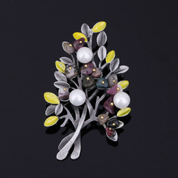 Imitation Pearl Material Australia - Retro Life Tree Christmas Tree Brooches for men and women Alloy material embedded artificial pearl brooch stone jewelry