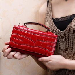 Passport Shoulder Bag NZ - 2019 New Fashion Women Snake Clutch Wallets Alligator Pu Leather Shoulder Bag Long Chain Purse Female Wallet For Girls 235