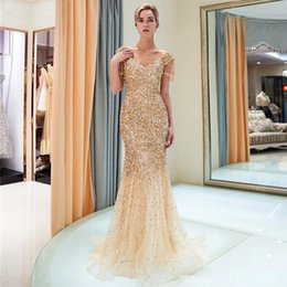 $enCountryForm.capitalKeyWord Australia - 2019 Sexy Gold Halter Satin Mermaid Long Prom Dresses Lace Sequins Beaded Backless Side Slit Evening Dresses Formal Sequined Party Dresses